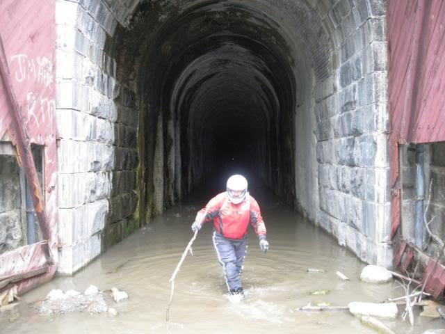089Perrywatertunnel.jpg