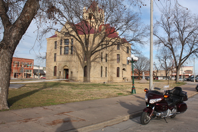 cCullouch%20County%20Courthouse%20Brady%20TX%203-L.jpg