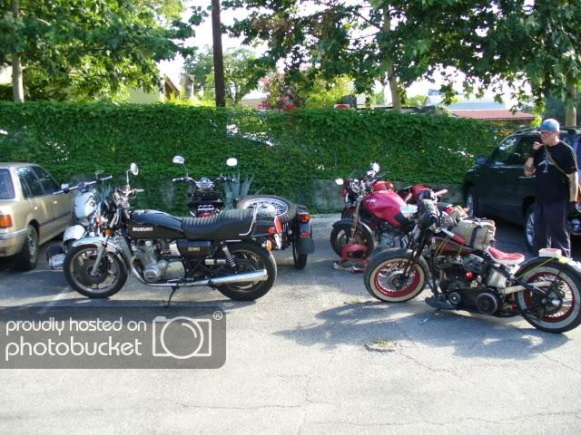 five_bikes_at_joes.jpg