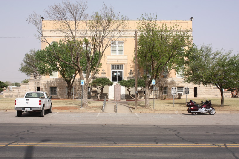 Foard%20Counth%20Courthouse%20Crowell-L.jpg