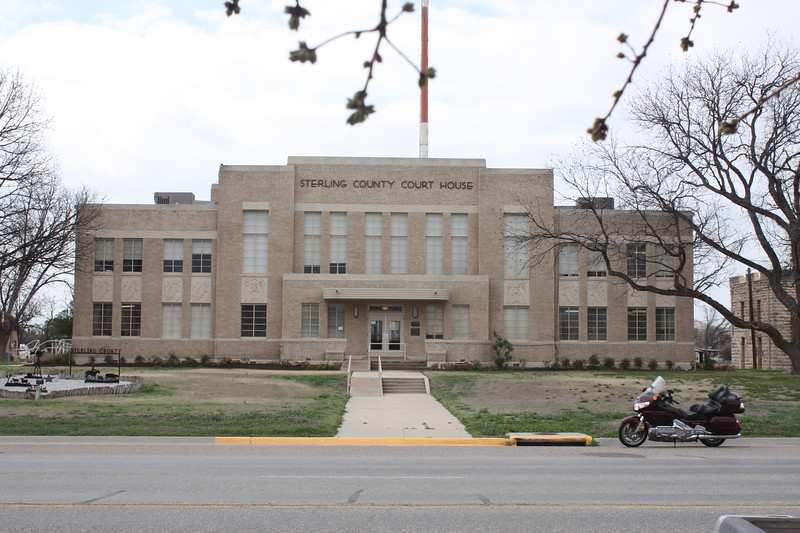 ling%20County%20Courthouse%20Sterling%20City%202-L.jpg