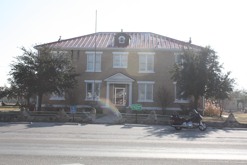 McMullen%20County%20Courthouse%20Tilden-L.jpg