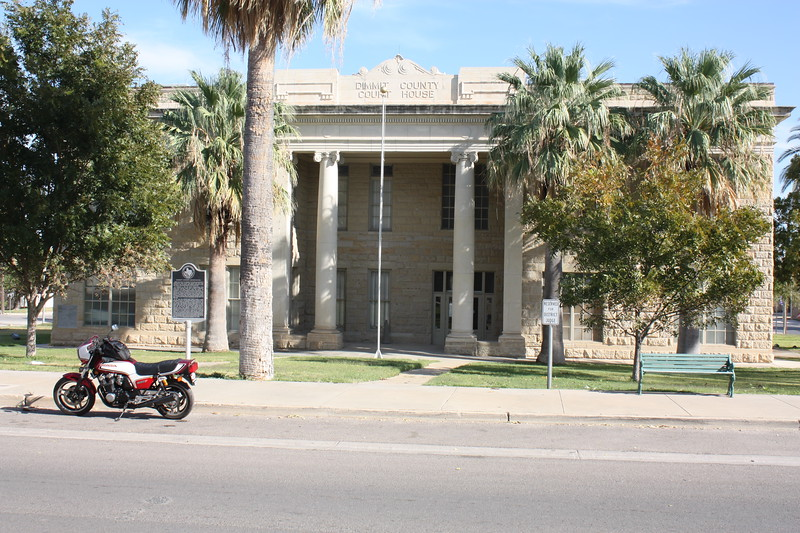 t%20County%20Courthouse%20Carrizzo%20Springs%205-L.jpg