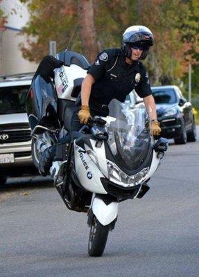 motorcop-stoppie.jpg